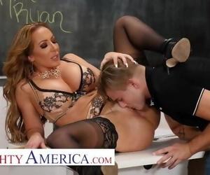 Naughty America - Richelle Ryan..