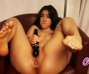 Beautiful Babe Powerfully Cums..