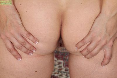 Amateur older woman Kate Lynn undressing to show hard nipples & spread ass - part 2
