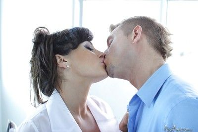 Mature brunette Lisa Ann sits on guys face and then on his cock