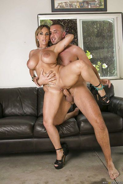 Juggy cougar Holly Halston has some hardcore fun with a huge fat boner - part 2
