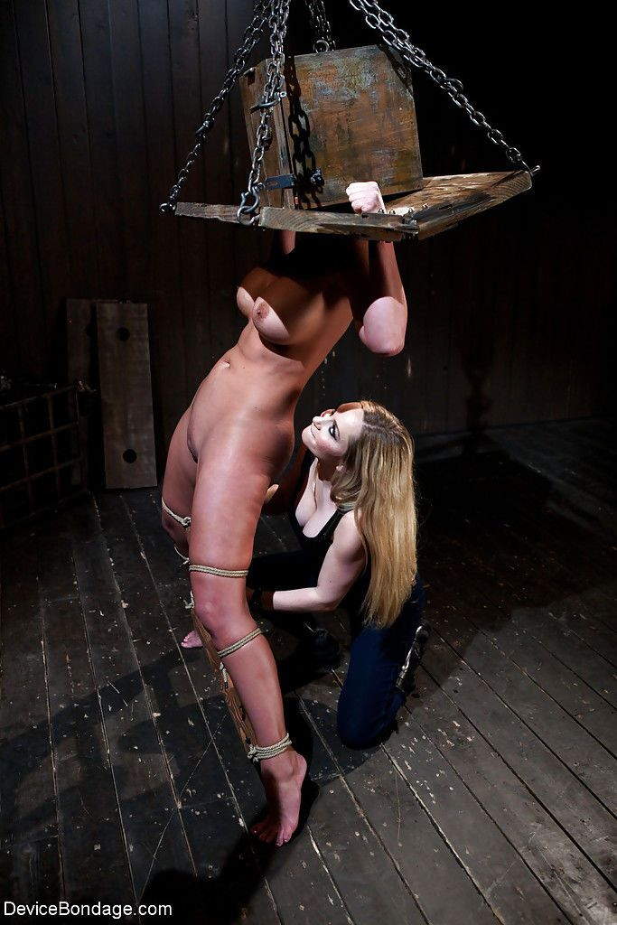 Chesty MILF Phoenix Marie taking fisting with bondage box on head - part 2