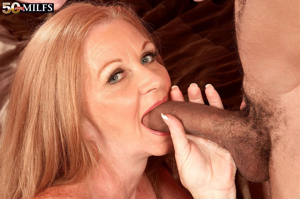 Slutty mommy Misty Gold enjoys a massive dick in pussy and cum om face
