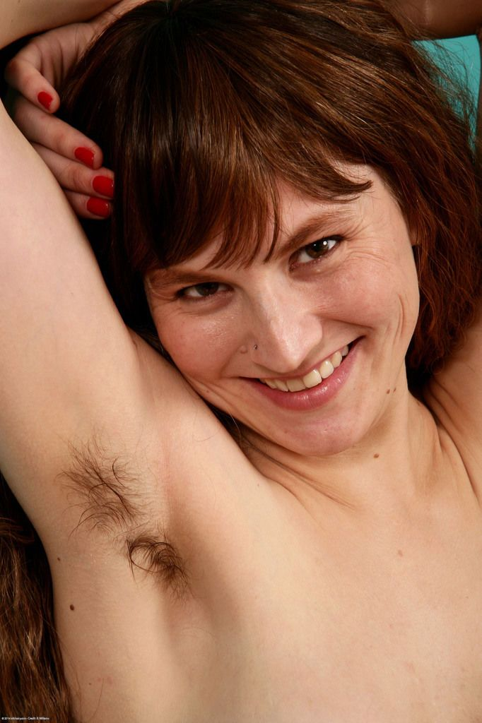 Mature Latina Sofia Rodas unveils her all natural pussy and hairy underarms