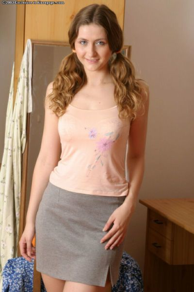 Super hot amateur redhead Eva is demonstrating her big natural titties