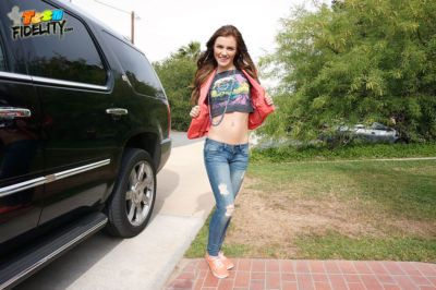 Teen hitchhiker Emma Stoned bangs a guy in exchange for a free ride
