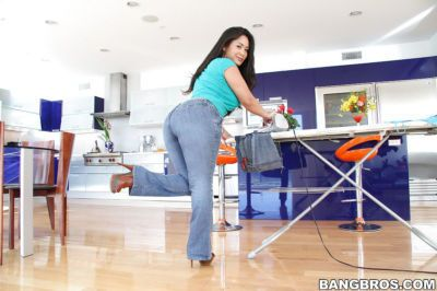Fatty asian MILF Jessica Bangkok stripping and spreading her legs