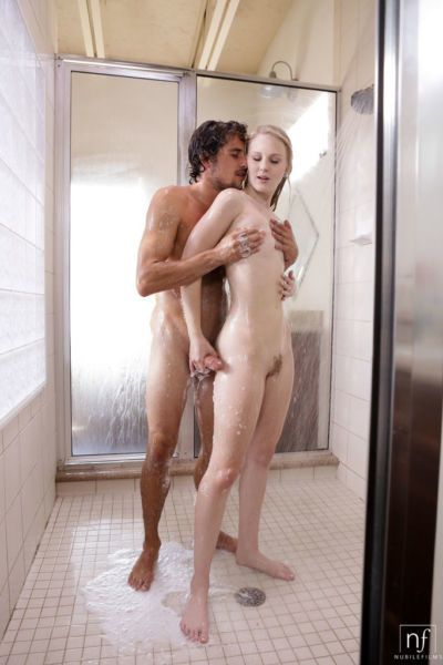Teen in heats Lily Rader loves a good fuck in the shower while si slutty