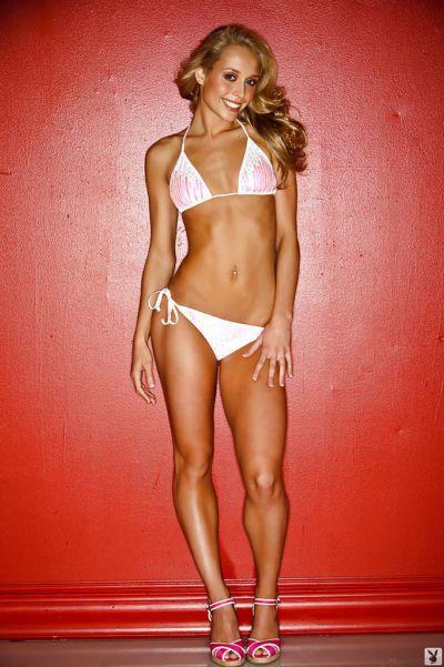 Skinny coed with long legs Caitlin Lee slipping off her bikini