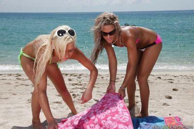 Hot teens Kara Novak and Kacey Jordan enjoy wild groupsex