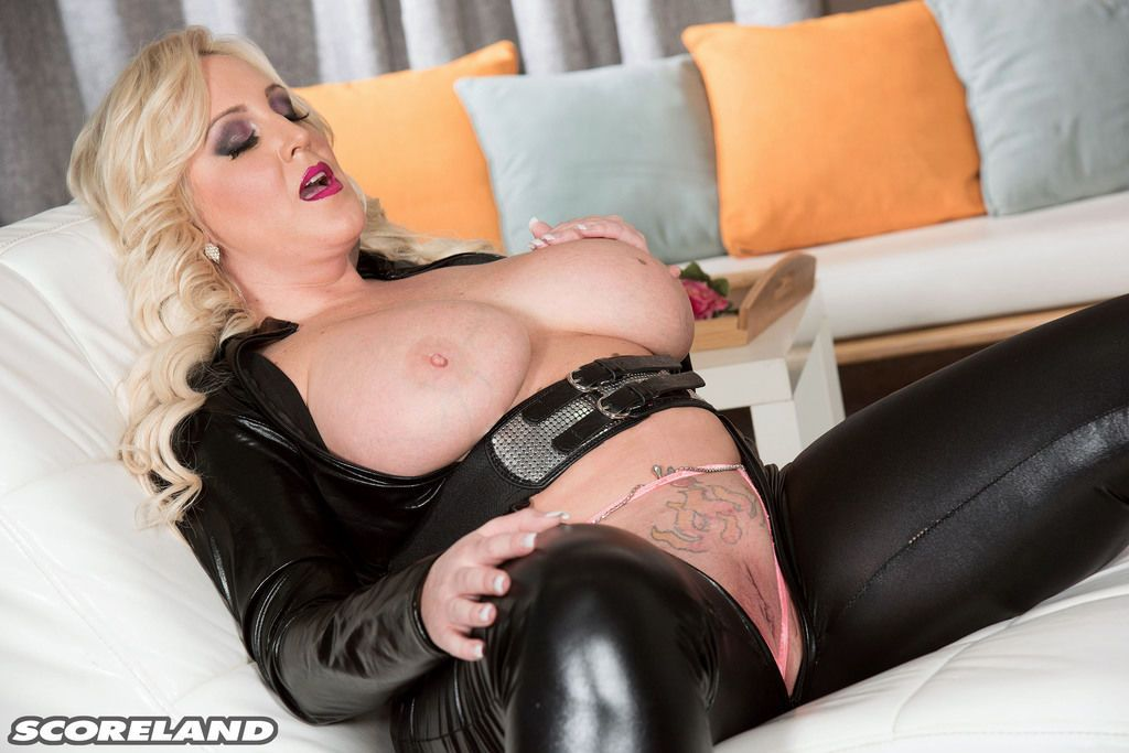 Fat blonde with huge tits Holly Wood kinky nudity solo masturbation