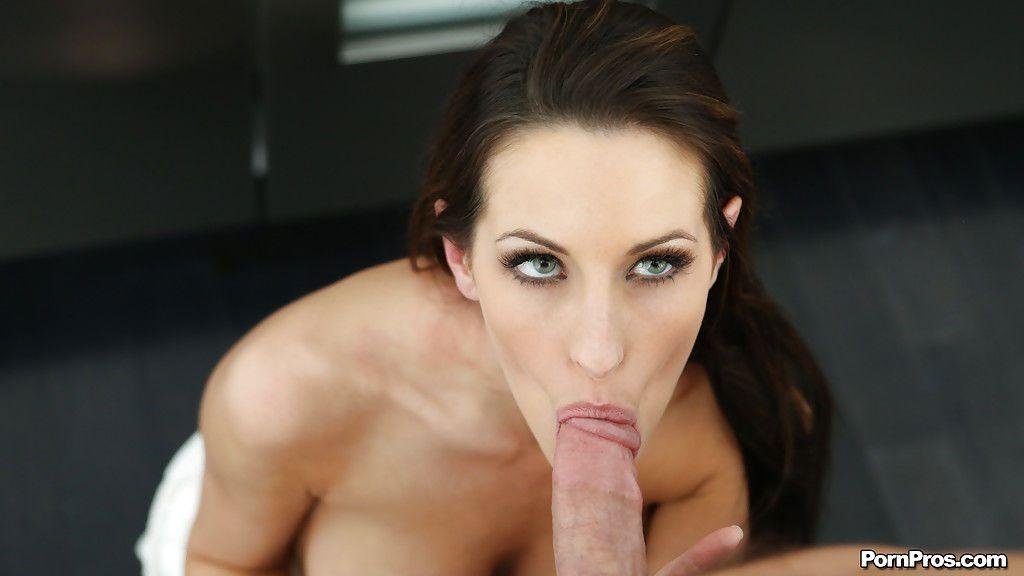 Kind girlfriend Kortney Kane pleasing her boyfriend with a deepthroat