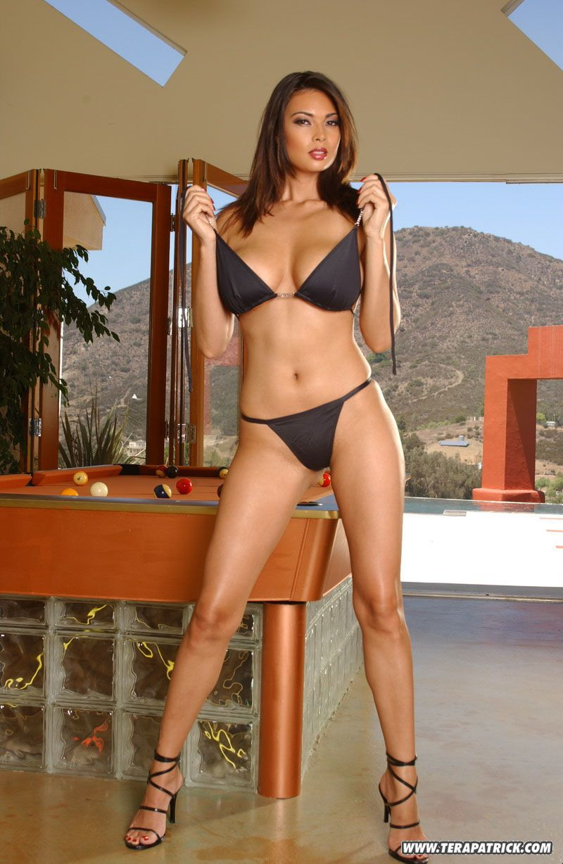 Famous Asian pornstar Tera Patrick modeling non nude in bikini