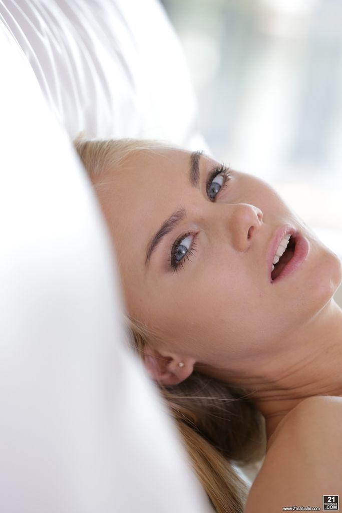 съжалявам секс с блондинкой нэнси изумруды