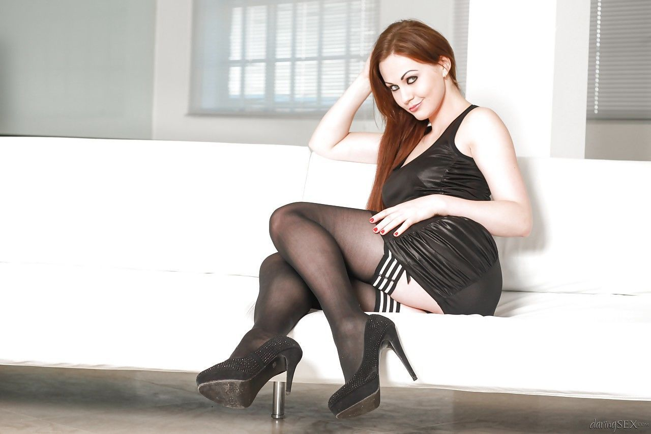 Top MILF pornstar Tina Kay giving BJ before fucking in sexy stockings