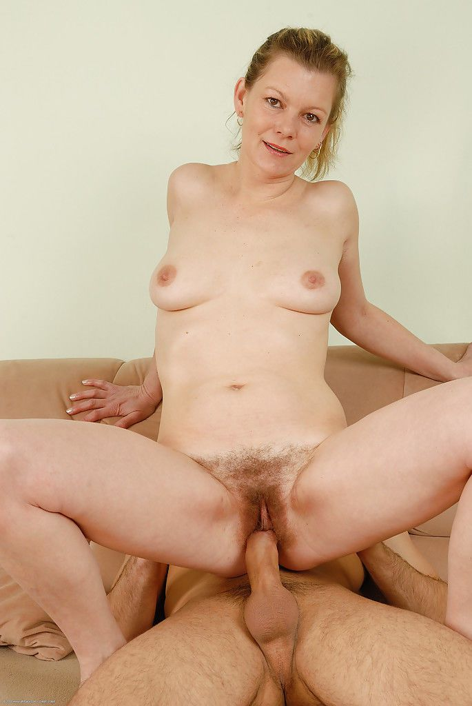Mature cougar Kelli taking cock from younger man in hairy vagina