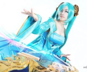 Best Sona Cosplay Collection..