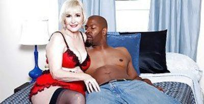 Heated granny in fashion lingerie Lola Lee gets nasty with a huge black cock