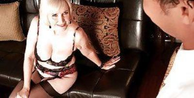 Blond granny in hold-up stockings and fancy lingerie Lola Lee banged hardcore