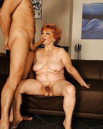 Chubby granny gives a blowjob and gets her bushy cunt drilled hardcore