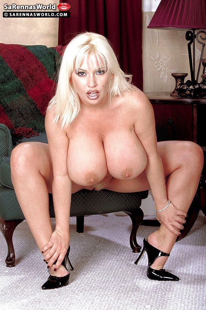 британская пышная порно актриса фото силуэты обнаженных тел