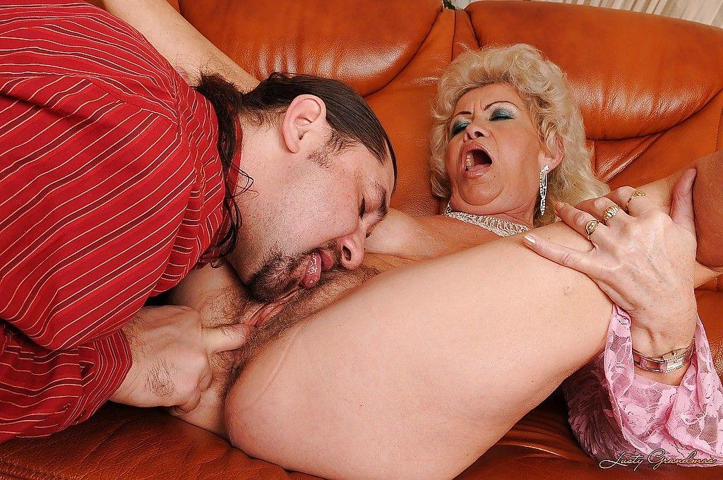порно пьяные фильм бабушки