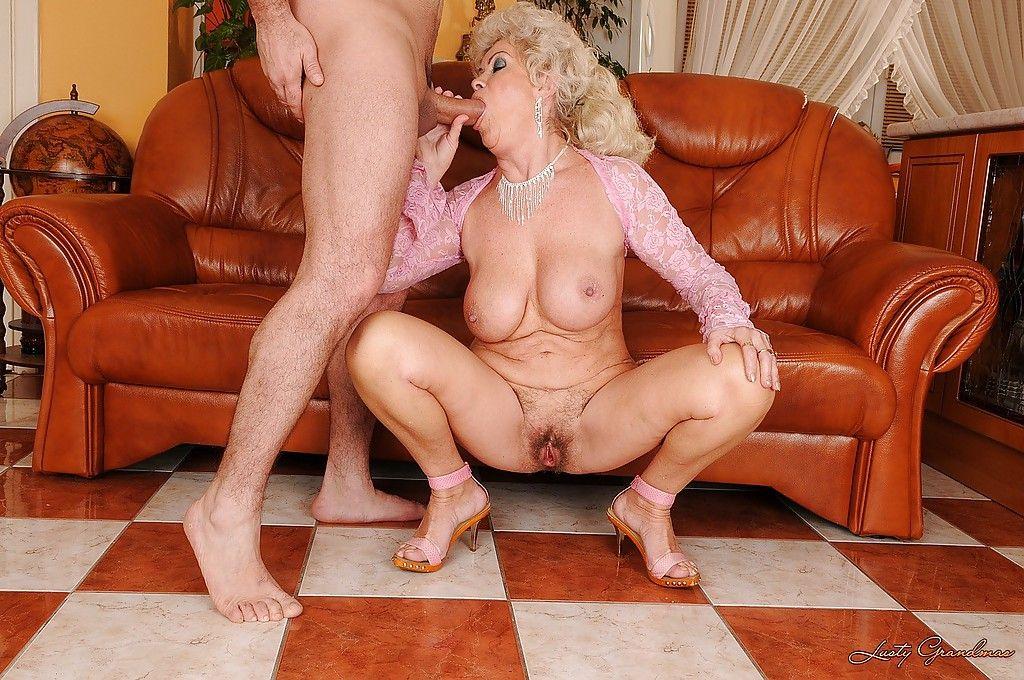 секс со старыми тетками очереди