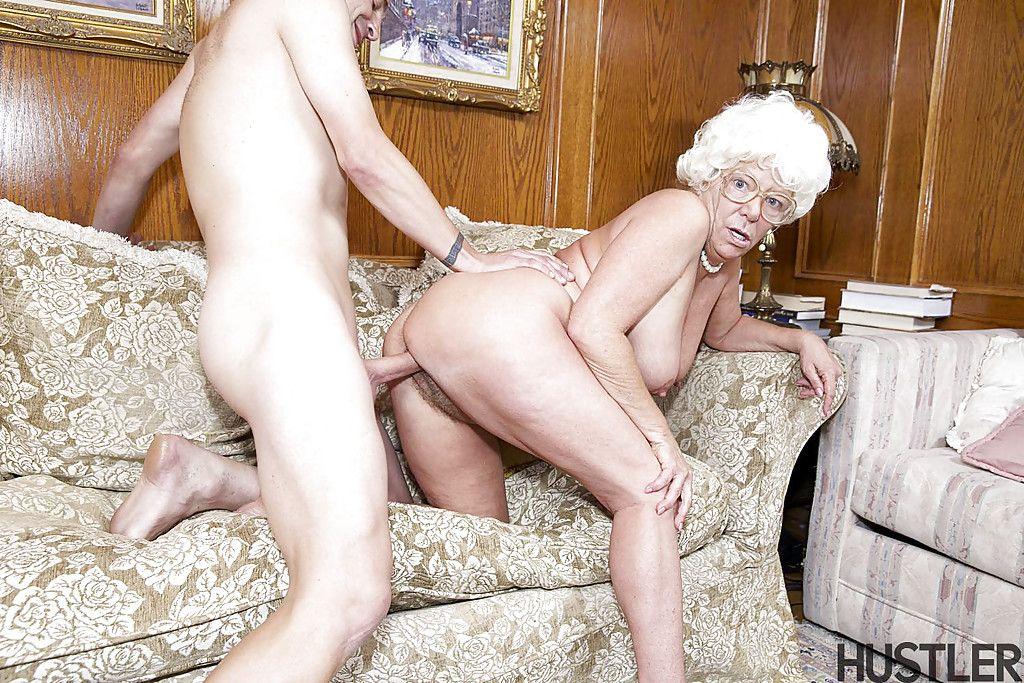 порно видео 60 русская старуха трахается с внуком