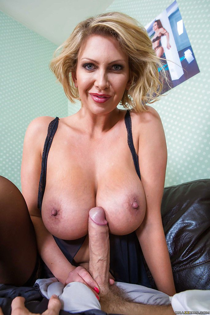Leigh is a very nasty mom that tasting a young cock for herself