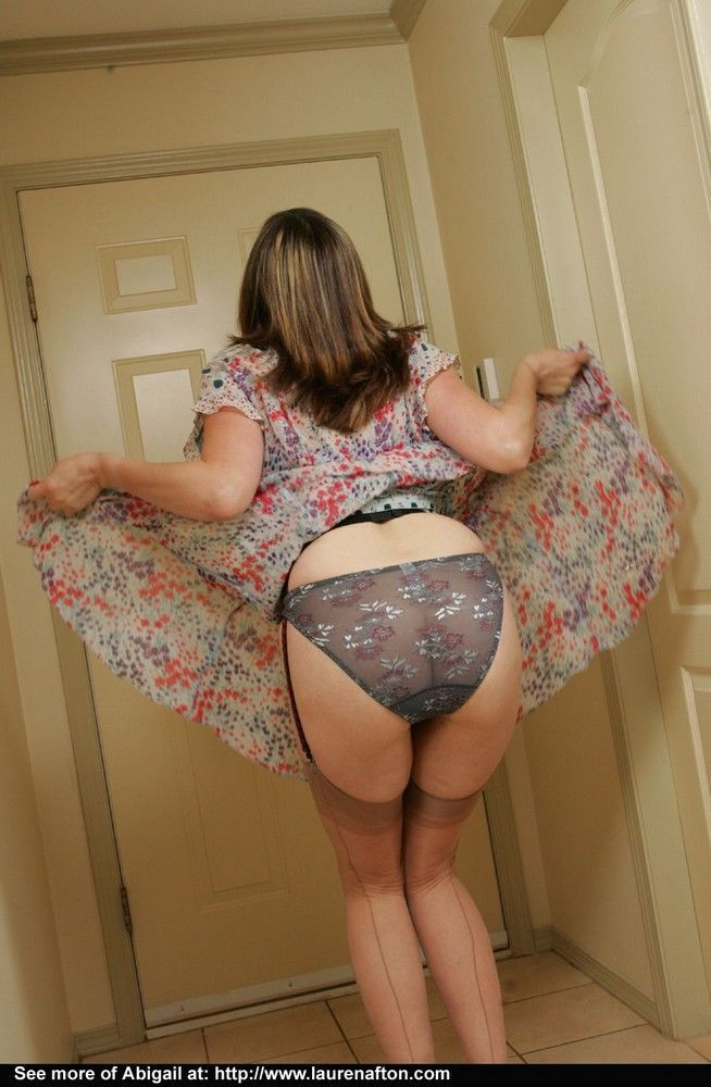 Hot mom Miss Abigail in balck panties shed dress to flaunt sexy mature body