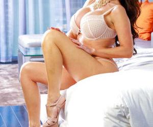 European wife Nikki Benz showing off great MILF legs..