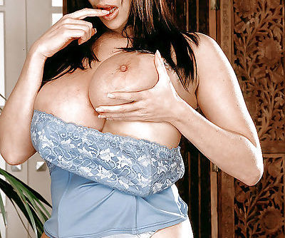 Tall European MILF Linsey Dawn..