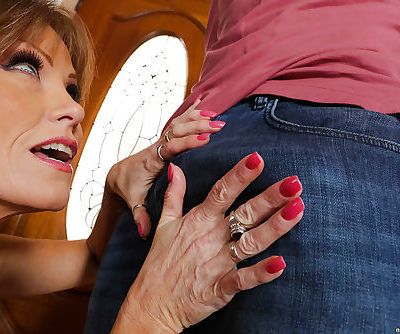 MILF over 50 Darla Crane flashes..