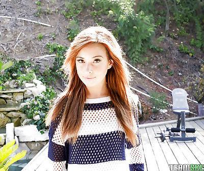 Amateur redhead babe Kaylee Haze..