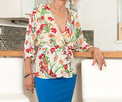 Old lady Beata slips off skirt..