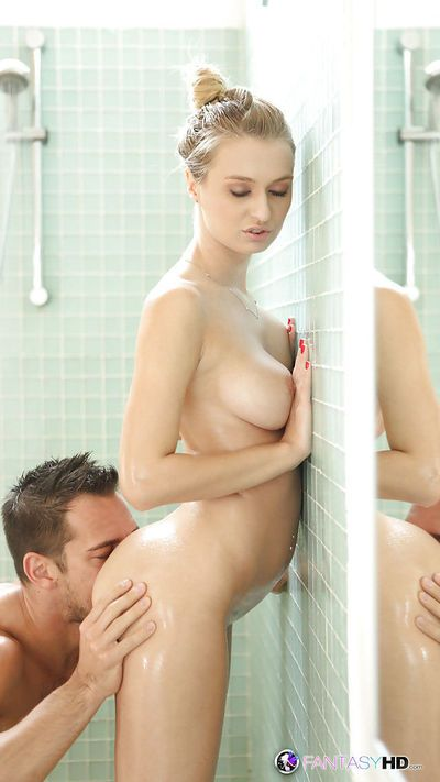 Awesome blonde with big boobs Natalia Starr fucks in the shower