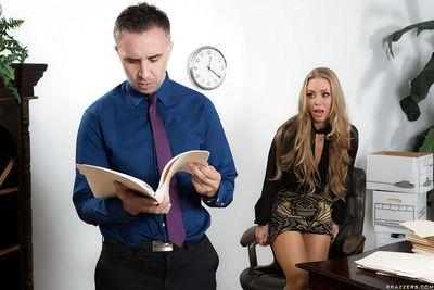 ผมบลอนด์ ออฟฟิศ พวกคนงาน นิโคล Aniston ให้ เพื่อนร่วมงาน เป็ blowjob