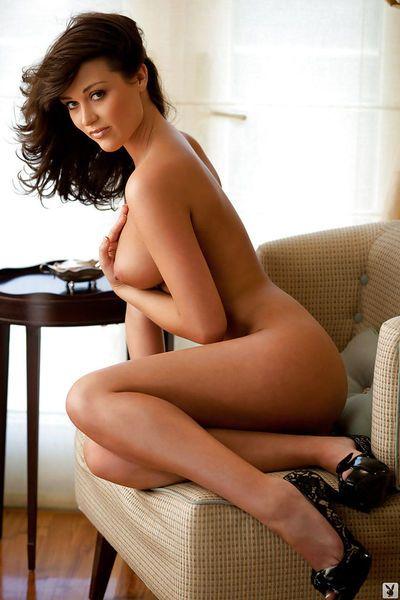 Lovely babe with amazing melons Rainy Day Jordan posing naked