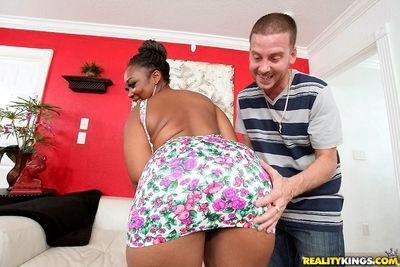 Awesome ebony fatty babe Reina pussy and mouth fucked deep