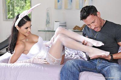 Hardcore latina Jasmine has big tits and ultimate foot fetish skills