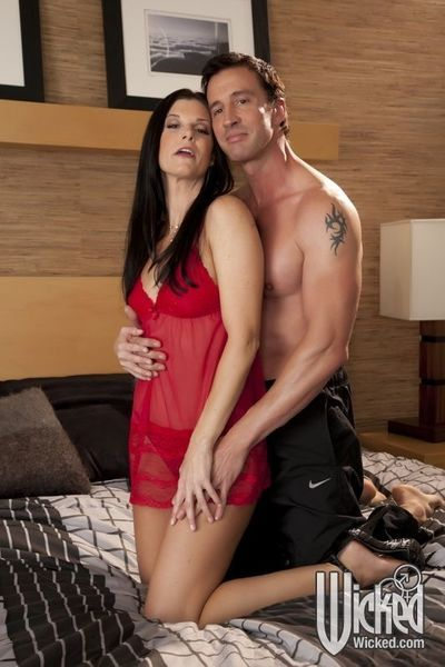 Hot MILF babe India Summer gets her wet cunt slammed with a cock