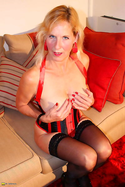 British mature molly maracas playing in stockings - part 3193