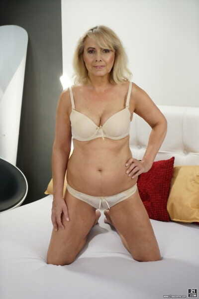 Horny blond granny Jana Nelle gets a good fucking from a young guy