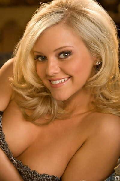 Irresistibly fun blonde Lindsey Gayle Evans shows perfect natural tits & ass