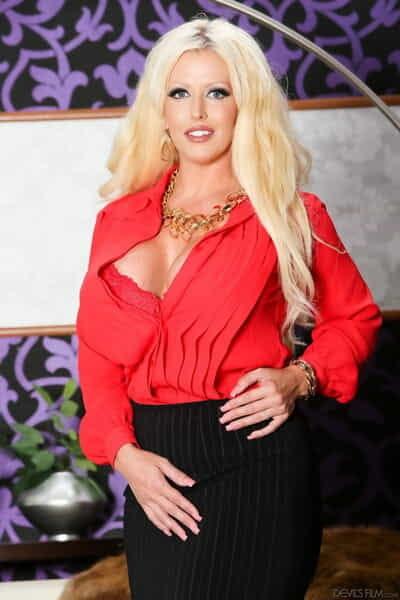 Big breasted blonde cougar Allura Jenson pegging man during hard fuck session