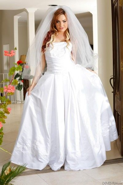 Amazingly hot bride bailey blue is taking off her white dress and having incredi