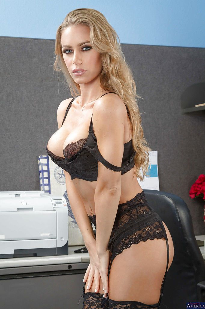 One of the hottest models Nicole Aniston is posing in her lingerie