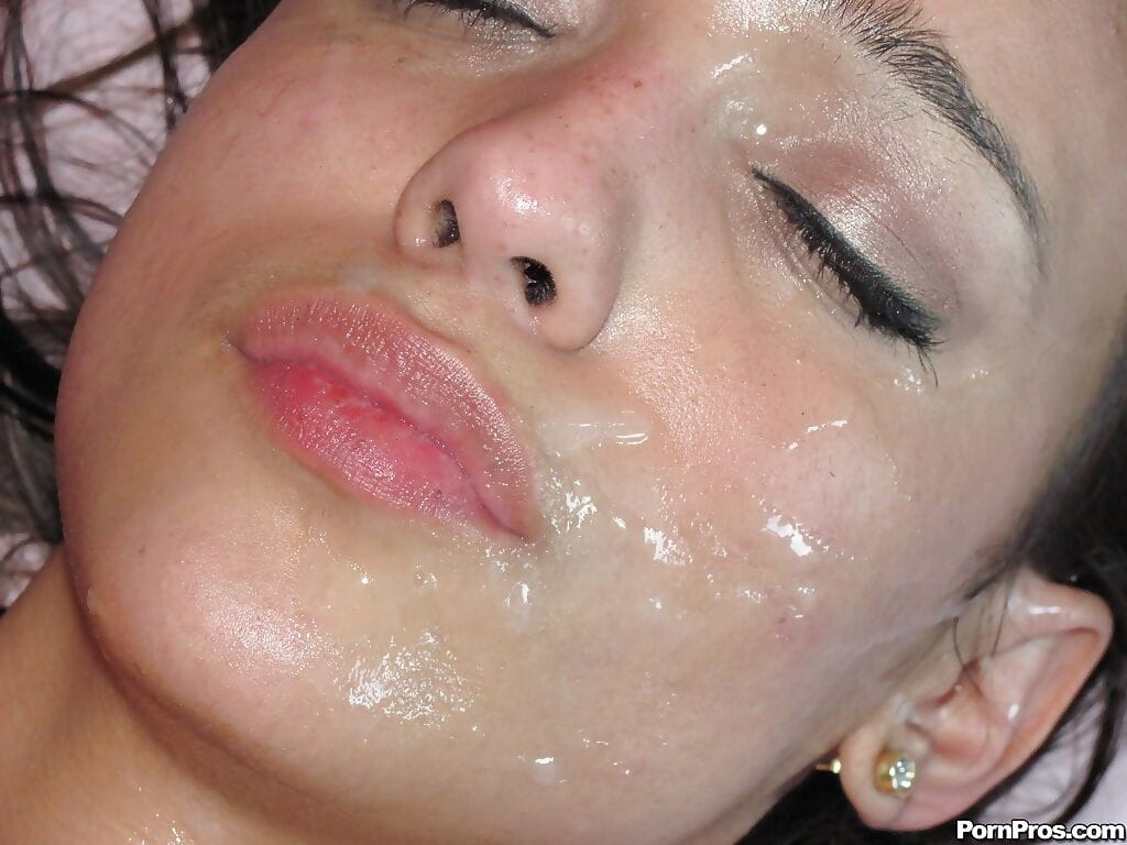 Latina girl Melanie Rios giving deepthroat BJ before cumshot on pretty face