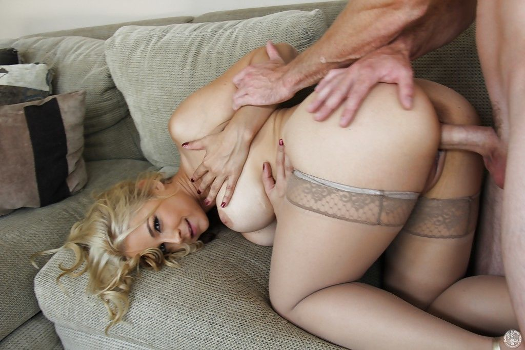 Big tits mom Sarah Vandella gets nailed hardcore in her stockings