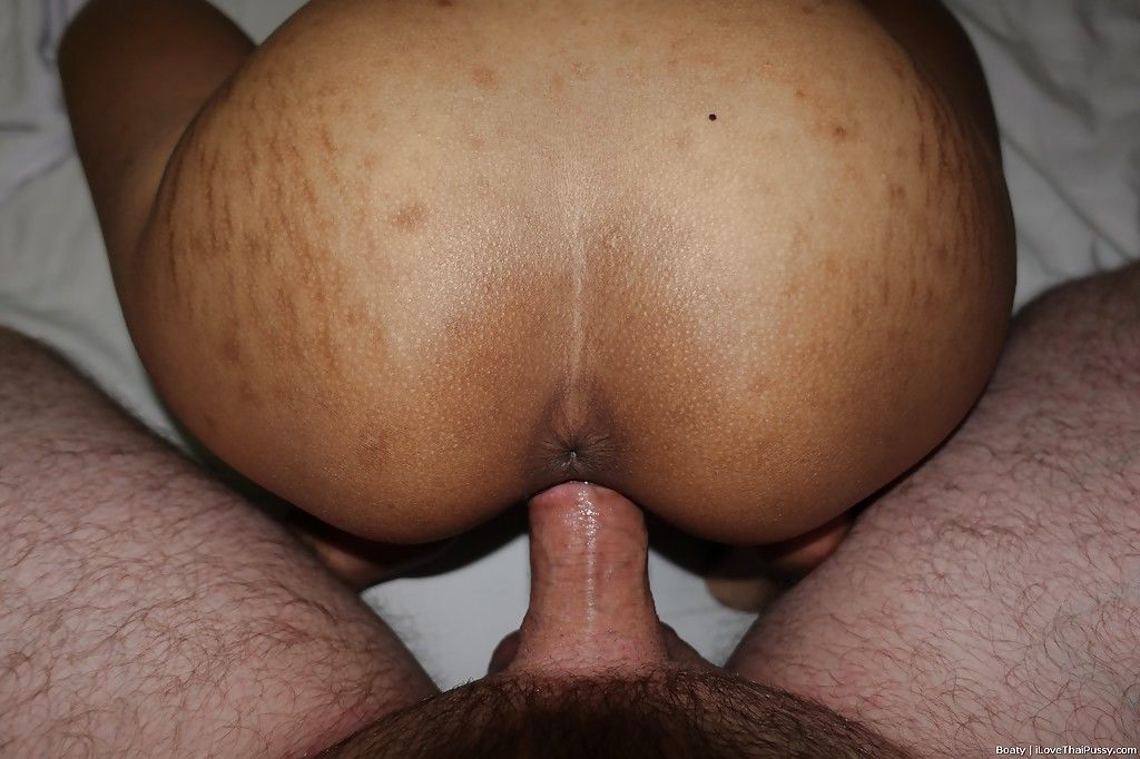 Young Asian amateur Boaty filmed in POV when fucked and jizzed on ass